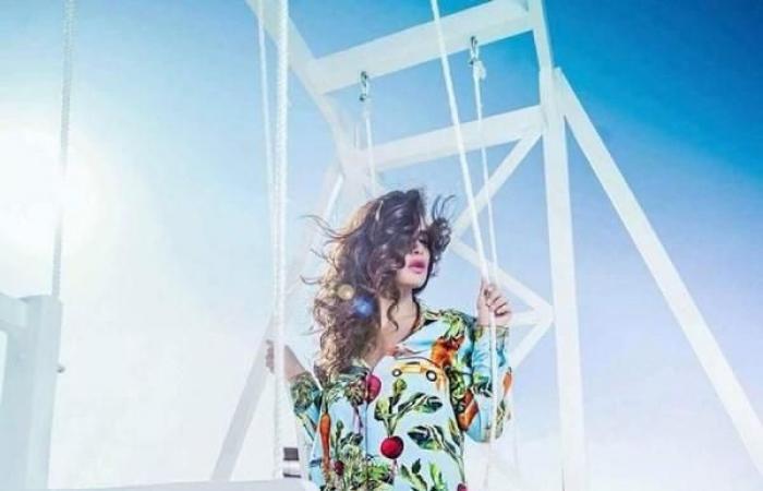 صور: البدلة البيجامة صيحة جديدة للنجمات والمدونات على الشاطىء