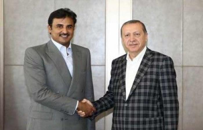 """فلسطين   صور : أمير قطر يهدي أردوغان """"قصرا طائرا"""""""
