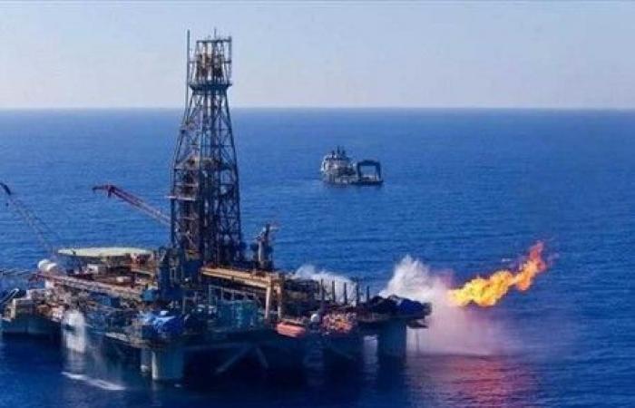 مصر توقع اتفاقيتين للتنقيب عن النفط والغاز باستثمارات أكثر من مليار دولار
