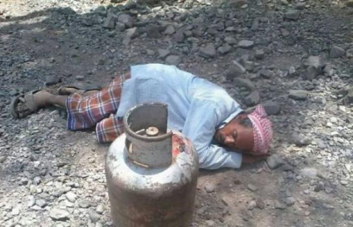 اليمن | طوابير طويلة بانتظار «اسطونة غاز» والحوثي يمنعهم من شرائها بالعملة الجديدة لانها تتبع «عبدربه»!