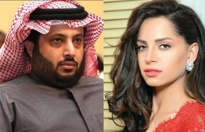 فلسطين | الأمن المصري يقتحم منزل آمال ماهر بعد تبادلها رسائل «غامضة» مع تركي آل الشيخ