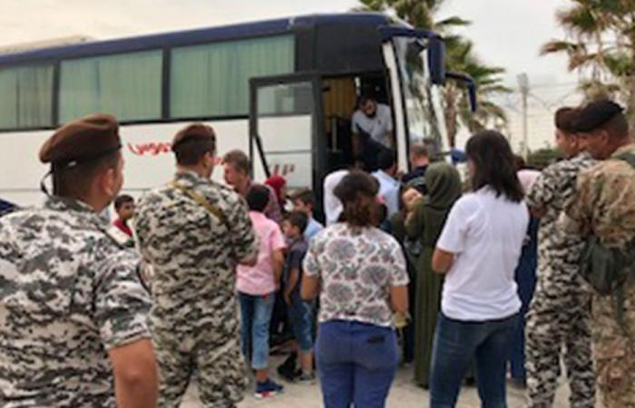 مساعٍ لبنانية لبلورة حل يعيد نازحي القصير إلى ديارهم