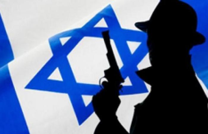 """فلسطين   """"كان"""" العبري تكشف.. """"الموساد"""" المسؤول عن إدخال الوقود القطري لغزة"""