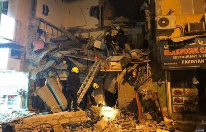 20 مصابا على الأقل في انهيار مبنى سكني في البحرين (شاهد)