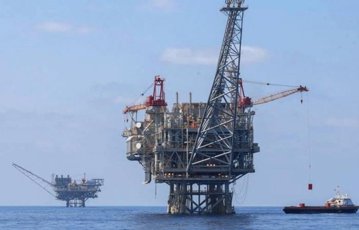 لبنان يسير باتجاه إنجاز القوانين للتنقيب عن النفط في البر بعد البحر
