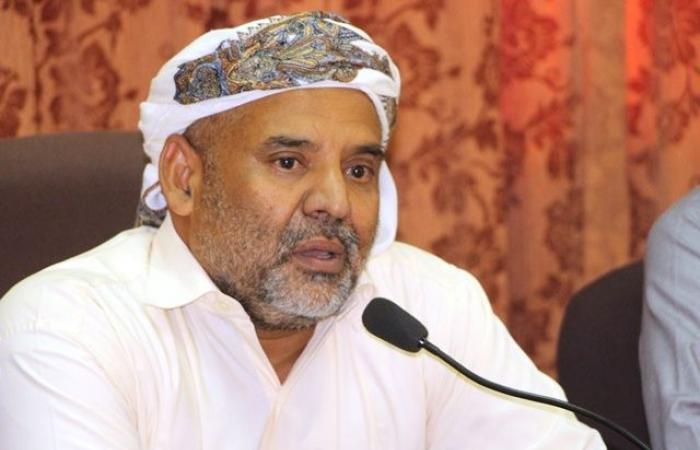اليمن | أرفع مسئول حضرمي ورجلها الثاني يعلق أعماله ويدعو التحالف للتدخل العاجل