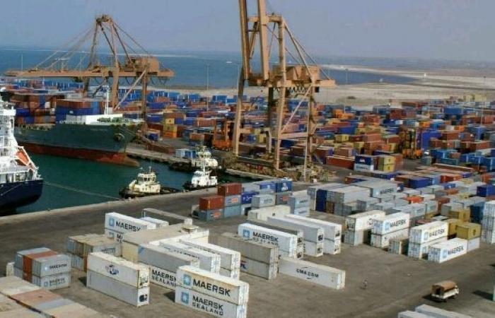 اليمن | المخابرات الفرنسية تكشف عن تحركات دولية واسعة تجريها دولة عربية للسيطرة على ميناء «الحديدة».. واستنفار غير مسبوق لكل القادة الأمنيين لهذه الدولة