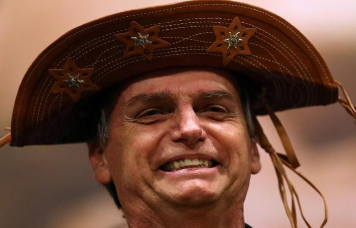 مرشح الرئاسة بالبرازيل لا يخفي إعجابه بترامب