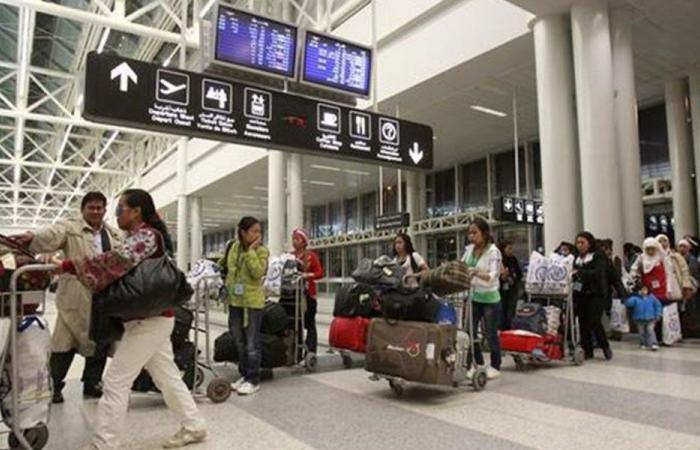إعادة 3000 دولار إلى مسافر عثر عليها عنصر أمن في مطار بيروت