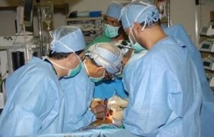 فلسطين   وفد طبي فرنسي يجري جراحات قلب لأطفال في غزة
