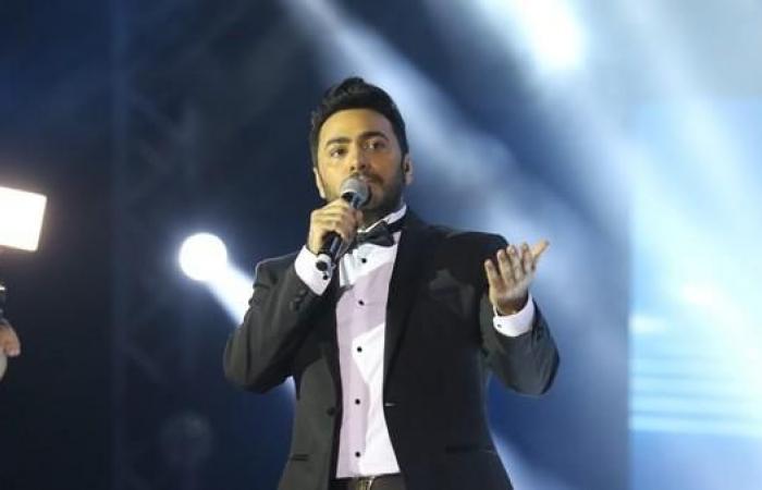 تامر حسني ممنوع من الكلام والغناء لمدة شهر