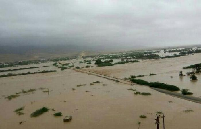 اليمن | عاجل - شاهد صورا حديثة من داخل المهرة والحكومة توجه نداء - سيول جارفة ومنازل تغرق والسكان يستغيثون