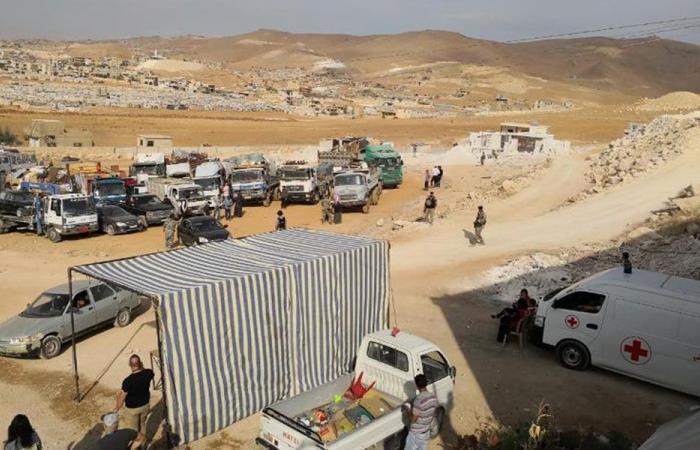 350 نازحاً من عرسال الى سوريا