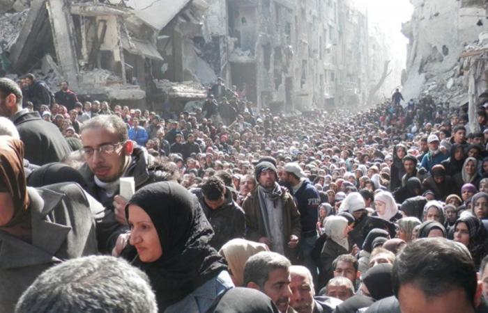وصول حافلات تقل مئات المهجرين السوريين العائدين من لبنان