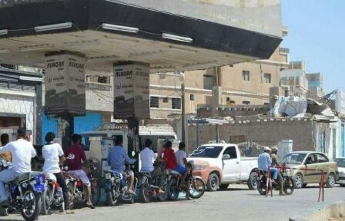 اليمن   رسمياً: شركة النفط اليمنية تعلن عن تسعيرة جديدة للبنزين«السعر الجديد»