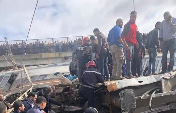 المغرب.. مقتل 8 وإصابة 80 آخرين في انقلاب قطار سريع