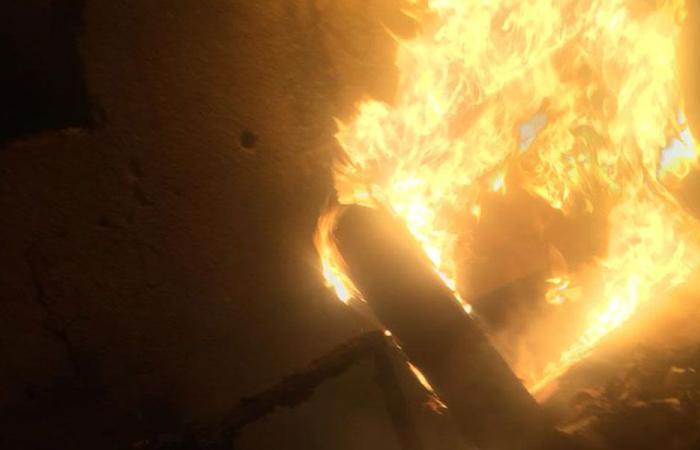 من يشعل الحرائق في مكبات النبطية؟