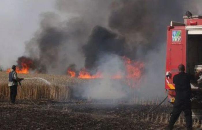 فلسطين   طواقم الدفاع المدني تخمد حريق بمحل تجاري شرق القدس