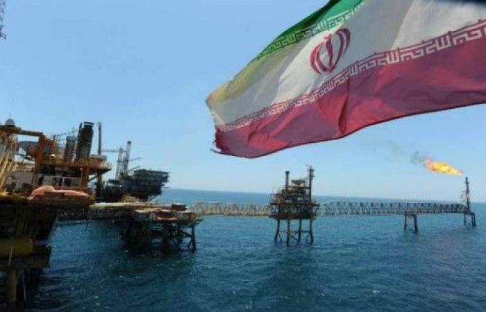 رغم الحظر الامیرکي.. الهند تواصل إستيراد النفط الايراني