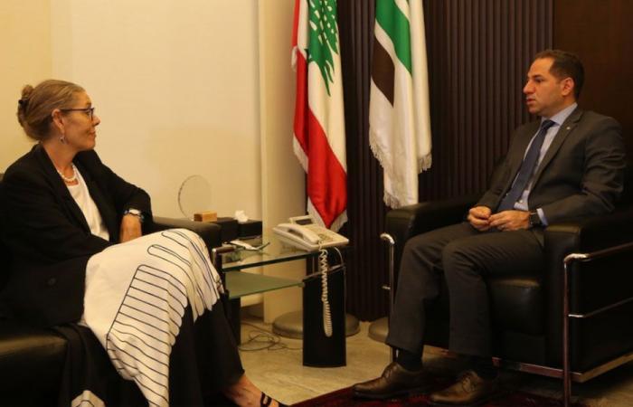 رئيس الكتائب بحث مع كارديل في الوضع العام في لبنان