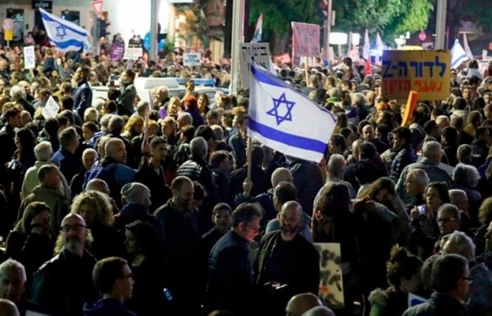 فلسطين   مستوطنو غلاف غزة يتظاهرون في تل أبيب ضد استمرار التصعيد