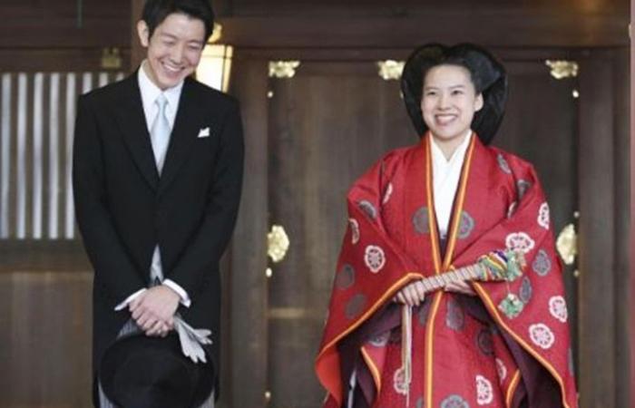 """أميرة يابانية تتخلى عن لقبها الإمبراطوري وتتزوج من """"العامة"""""""