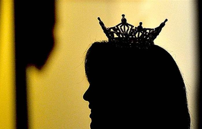 اتهموها بالسرقة والاحتبال.. تبرأة ملكة الجمال من التهم! (صورة)