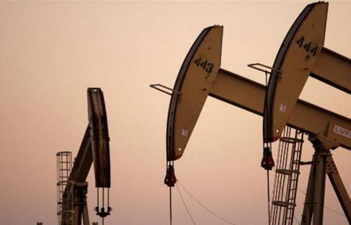 النفط يصعد وسط توقعات بخفض معروض أوبك