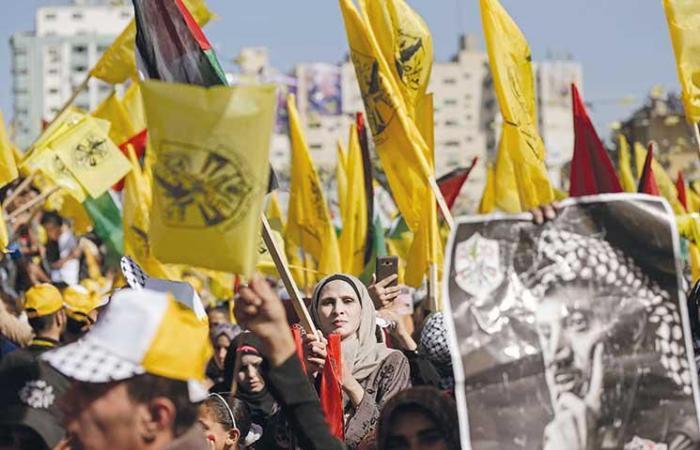 فلسطين   فتح تحذر من من مغبة الاستمرار في انتحال اسمها وصفتها
