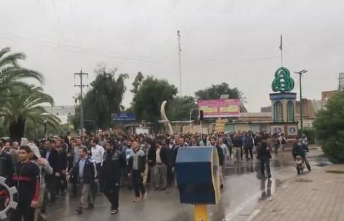 إيران | عمال إيران.. جاع أطفالهم فأصبحوا شعلة الاحتجاجات