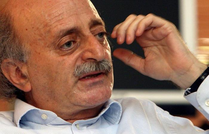 جنبلاط: هل علينا أن نشاهد لبنان ينهارتلبيةلمطامع دول الممانعة؟