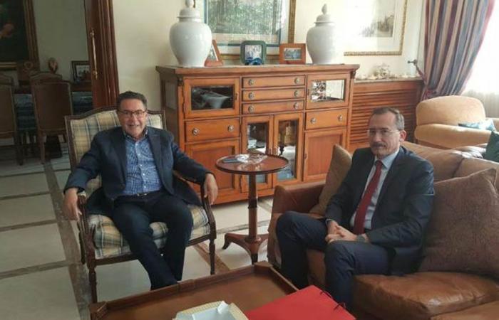 تويني بحث وسفير رومانيا إمكانية توقيع مذكرة لمكافحة الفساد