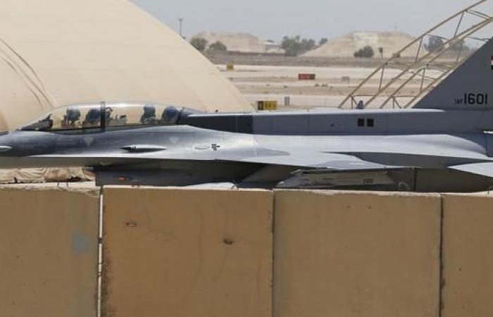 العراق   طائرات عراقية تضرب أهدافاً لداعش في سوريا