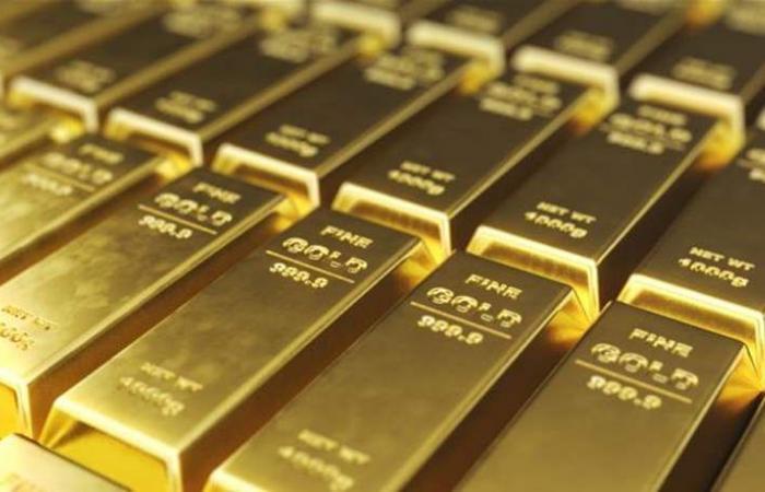 الذهب يستقر وسط تداولات هزيلة.. وضعف الدولار يدعم المعدن
