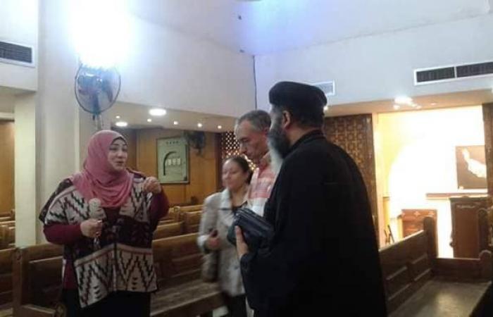 مصر | لماذا قامت معلمة مسلمة وطالباتها بتنظيف كنيسة بمصر؟