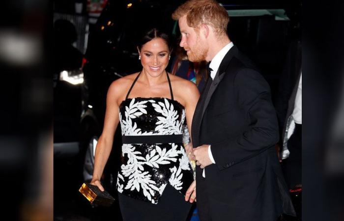 بالصور: إطلالة مميزة لميغان ماركل برفقة الأمير هاري