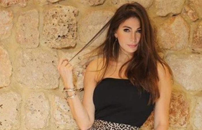 بالصور.. ديما صادق خطفت الأنظار بفستان أسود وشفاف