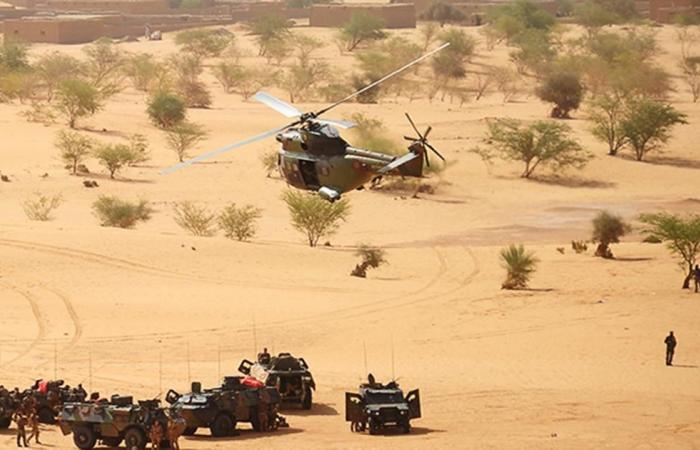 دولي | الجيش الفرنسي يعلن مقتل نحو 30 مسلحا إسلاميا بمالي
