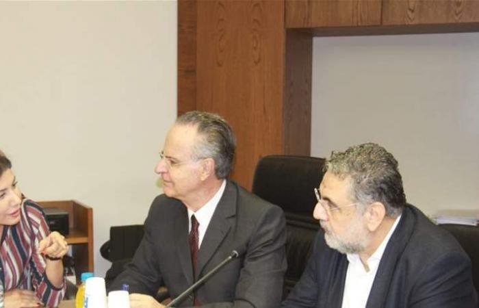 الموسوي يعلن تبنيه مقاربة رئيس إدارة المناقصات العمومية