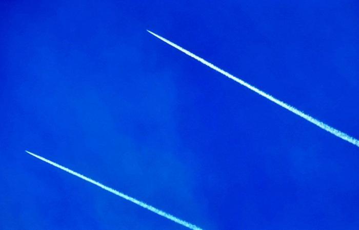 """تحليق مكثف لطائرات """"هرمس"""" في اجواء الجنوب"""