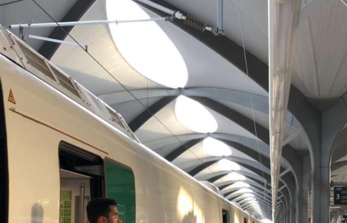الخليح | بالصور.. دور السعوديات في قطار الحرمين السريع