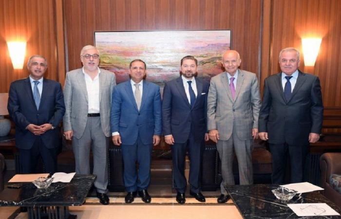 وساطات لترتيب لقاء بين الحريري والنواب الستة