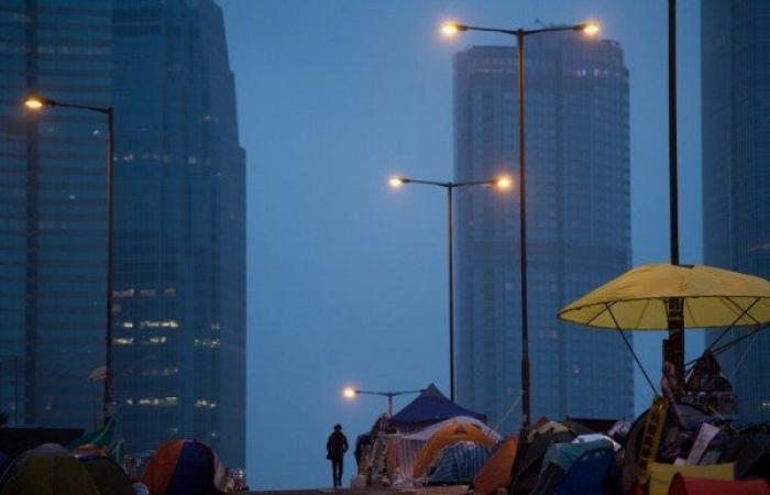 خمسة قتلى و31 جريحا بحادث سير في هونغ كونغ