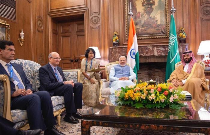 الخليح | محمد بن سلمان يبحث ورئيس وزراء الهند تعاون البلدين