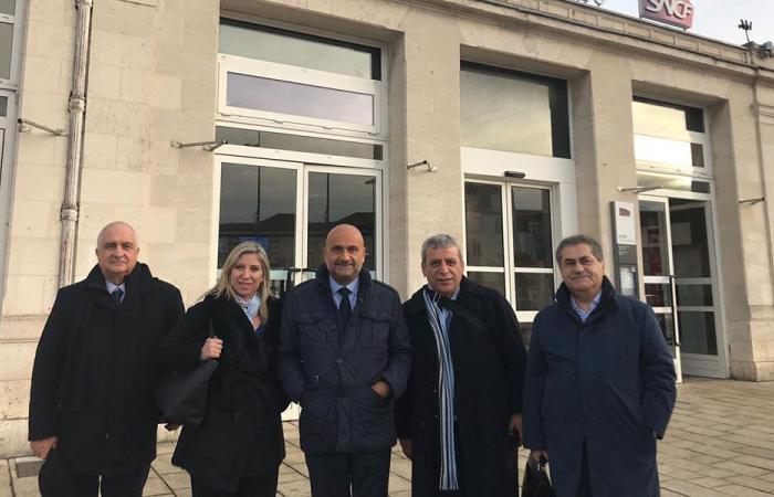 أبي رميا في باريس: الحكومة ستبصر النور قريبا