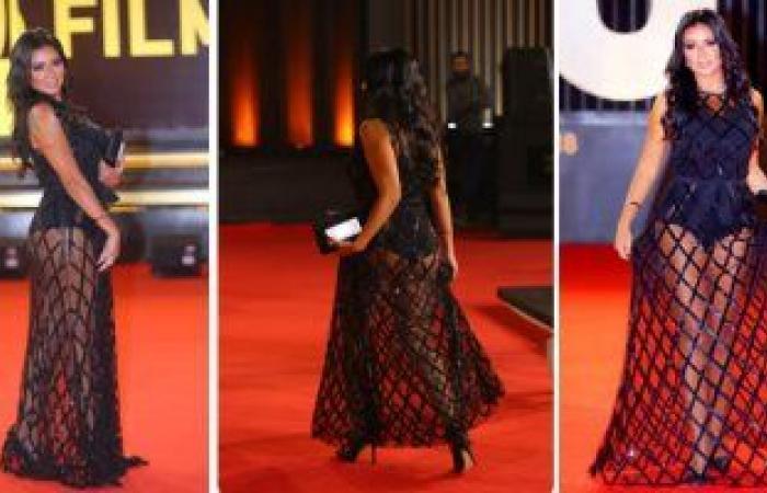 هكذا علقت نقابة المهن التمثيلية بمصر على فستان رانيا يوسف