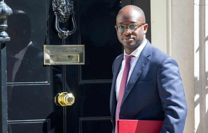 استقالة وزير الجامعات والعلوم البريطاني