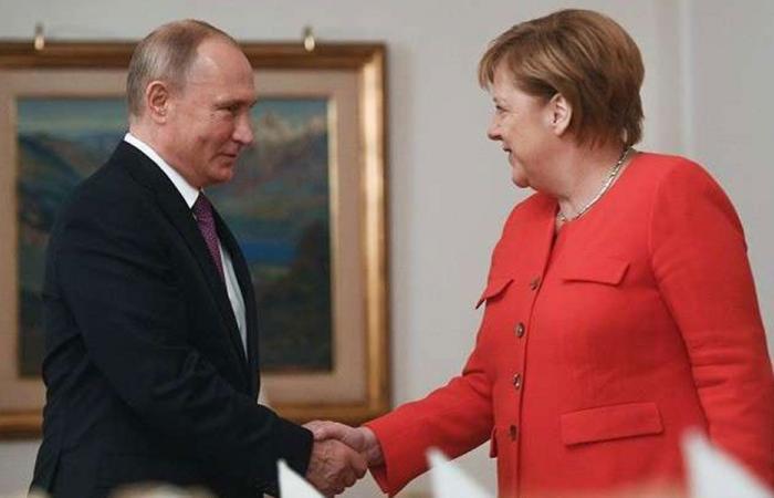 بوتين وميركل بحثا الملف السوري