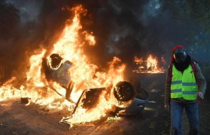 وزير الداخلية الفرنسي مستعد لدراسة فرض حالة الطوارىء