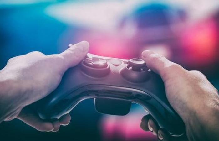 """لهذا السبب يدمن الرجال """"ألعاب الفيديو"""" أكثر من النساء"""